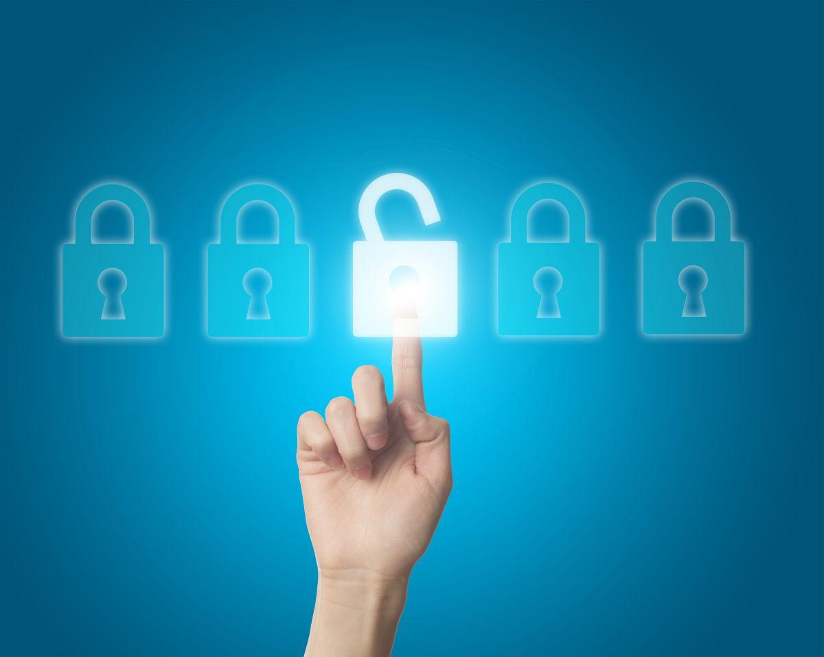 Apogaeis-Technologies-Data-Privacy-&-Security-in-Cloud-Computing